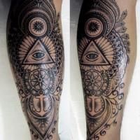 Tatuaje en la pierna, símbolo masonico misterioso con timón y ancla en patrón hermoso