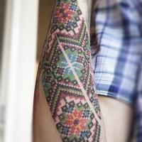 bellissimo colorato punto croce avambraccio tatuaggio