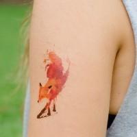Tatuaggio piccolo sul braccio la volpe colorata