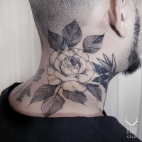 Big accurate painted blackwork style neck tattoo of large rose with leaves by Zihwa