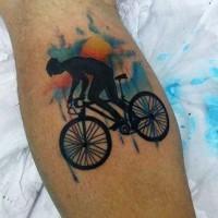 grande colorato antico ciclista tatuaggio su gamba