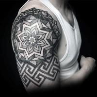 Tatuaggio del braccio grande in stile dotwork di grande ornamento floreale