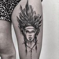 Poco pintado por Inez Janiak tatuaje de muslo de mujer india