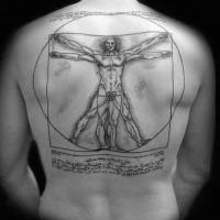 Tatuaggio di grande immagine di un uomo vitruviano con inchiostro nero combinato con scritte