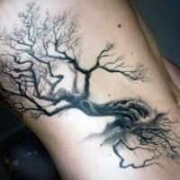 Schwarzes Seite Tattoo des einsamen Baums mit abgebrochenem Ast