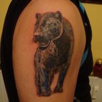pantera nera a passeggio tatuaggio sulla spalla