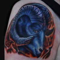 Blauer Widder Tattoo-Design