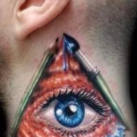 Tatuaggio simpatico sul collo l'occhio nel triangolo
