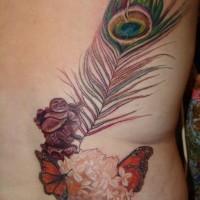 buddha cinese viaggia piuma di pavone tatuaggio