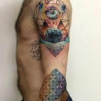 Tatuaggio a maniche colorate dall'aspetto creativo a triangolo con occhi e ornamenti floreali