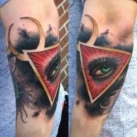 Tatuaggio di brivido colorato con l'occhio della donna