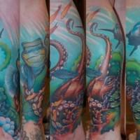 Bunter wunderbarer Ozean Tattoo auf den Arm