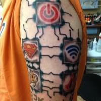 colorato disadattato tatuaggio a mezza manica