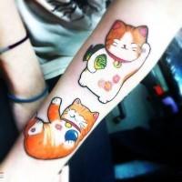 colorato gatti giapponesi divertenti tatuaggio avambraccio