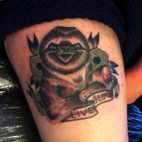 colorato vita lenta bradipo tatuaggio sul fianco