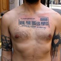 stampa fresca nero tatuaggio sul petto per uomo