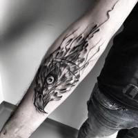 Cool disegnato da Inez Janiak tatuaggio avambraccio di testa d'aquila