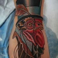 fresco testa di gallo in cappello con monocle tatuaggio su piede