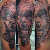 pazzo spaventoso pagliaccio tatuaggio sul braccio
