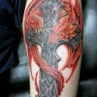 Kreuz mit rotem Drachen Tattoo für Männer
