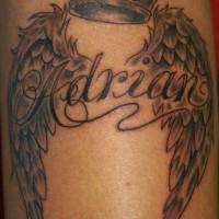 corona con ali e lettere tatuaggio