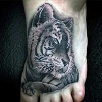 carino dipinto dettagliato colorato tigre tatuaggio su piede
