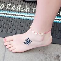 carina piccola farfalla tatuaggio su piedi