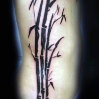 Dunkles schwarzes im asiatischen orientalischen Stil Bambus Baum Tattoo an der Seite