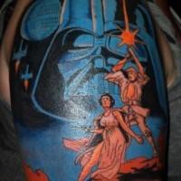 Tatuaje en el brazo, casco de Darth Vader grande y personajes lindos  que huyen