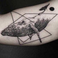 Dot Stil  schwarzer Wal Tattoo  mit geometrischen Figuren