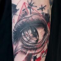 drammatico piccolo colorato occhio tatuaggio su braccio