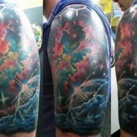 elegante disegno e colorato spazio profondo tatuaggio a manicotto