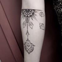 elegante motivi floreali avambraccio dotwork tatuaggio