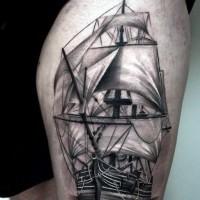 elegante dettagliato nero e bianco grande barca tatuaggio su coacia
