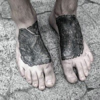 Gravur Stil schwarzes Fuß Tattoo von Baumzweig