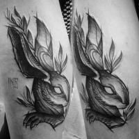 Tatuaggio del mistico coniglio con inchiostro nero stile fantasy di Inez Janiak