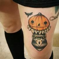 divertentecolorato e dettagliato a tema Halloween tatuaggio su coscia