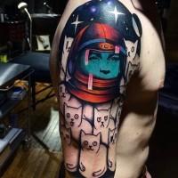 divertente dipinto  colorata astronauta con gatti tatuaggio a mezza manica