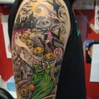 divertente fumetto dipinto mostro sorridente verniciato tatuaggio a mezza manica