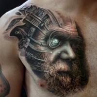 Tatuaje en el pecho,  hombre fantástico con ojo misterioso