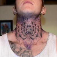 modelli geometrici tatuaggio su collo per ragazzi