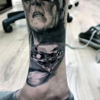 Gorgeous 3D like black ink pure diamond tattoo on leg