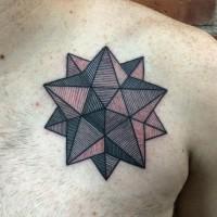 Tatuaje en el pecho,  fgura interesante, tinta negra