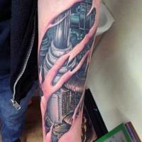 Tatuaje en el antebrazo, biomecanismo excelente fantástico