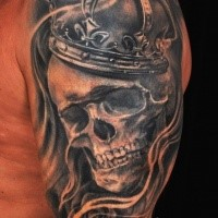 Gray washed style detailed  human skull with crown