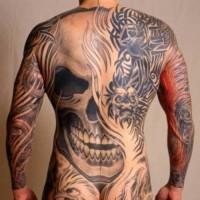 Tatuaggio impressionante il teschio enorme & i disegni