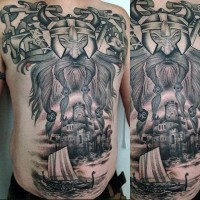 Tatuaje en el pecho y estómago, vikingo con barco y castillo