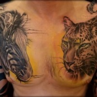 Ungewöhnlicher Stil gemaltes großes farbiges abstraktes Zebra Tattoo an der Schulter
