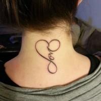 Herzförmiges Design mit Schriftzug