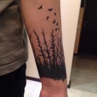 Tatuaje En El Antebrazo Bosque Seco Oscuro Y Aves Tattooimagesbiz
